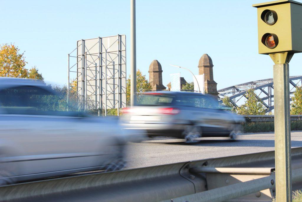 Geschwindigkeitsverstoß - Bußgeldbescheid prüfen lassen